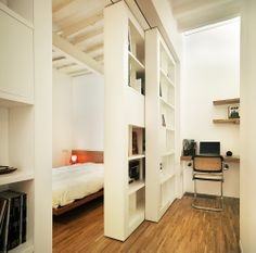 The housing colonizes a floor and a loft of a dovecote of an old building in the city centre of Alicante. The space is limited but in there it should happen a Old Building, Living Spaces, Sweet Home, Loft, Flooring, City, Bed, Alicante, Furniture
