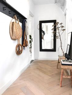 15 Smart Small Apartment Design and Decor Ideas to Organize and Beautify Your Home - The Trending House Flur Design, Home Design, Hallway Inspiration, Interior Inspiration, Ikea Trones, Decoration Hall, Interior Styling, Interior Design, Small Apartment Design