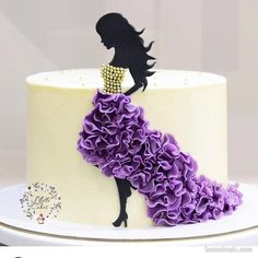Best 12 For my lovely sister with the help! Thank you for your quality and fast work! Inside Chiffon cake with… – SkillOfKing. Beautiful Cake Designs, Beautiful Cakes, Amazing Cakes, Cake Decorating Videos, Cake Decorating Techniques, Pretty Cakes, Cute Cakes, Fondant Cakes, Cupcake Cakes