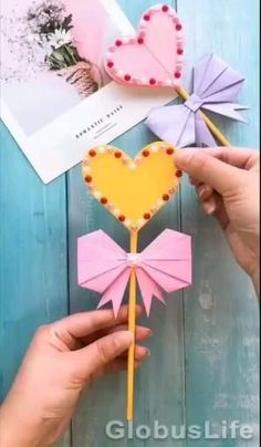 Valentines Day Crafts For Preschoolers, Diy Valentines Day Gifts For Him, Valentines Diy, Paper Crafts Origami, Paper Crafts For Kids, Paper Crafting, Diy Paper, Diy Origami Cards, Diy Origami Weihnachten