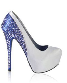 Love how this heels would look on me!!! Studded Two-Tone Platform Pump