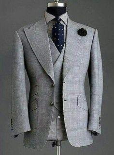 44 Elegant Men's Office Outfit Ideas Der Gentleman, Gentleman Style, Sharp Dressed Man, Well Dressed Men, Mens Fashion Suits, Mens Suits, Men's Fashion, Terno Slim, Mode Costume