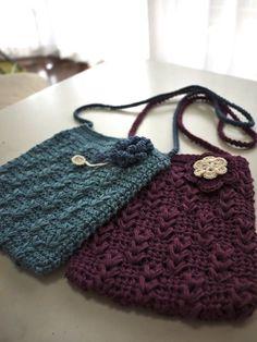 女の子ポシェット♪の作り方|編み物|編み物・手芸・ソーイング|ハンドメイド | アトリエ Love Crochet, Knit Crochet, Crochet Bags, Crochet Stitches, Crochet Patterns, Knitted Bags, Handmade Bags, Purses And Bags, Sewing Crafts