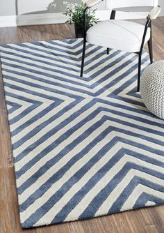 nuLOOM Hand Tufted Chevron Geometric Area Rug, 5-Feet x 8-Feet, Blue