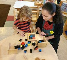Miniapple International Montessori Schools operate education-focused preschools infant programs in Oakdale, Roseville, & Minneapolis, MN. Kindergarten Learning, Learning Centers, Fun Learning, Preschool, What Is Montessori, Montessori Classroom, Sensory Stimulation, Reading Words, Kindergarten