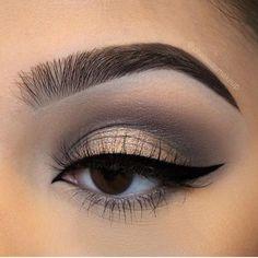 studio makeup, wet n wild shop, what do makeup artists use, cute simple eyeshado. - new_makeup_pintennium Makeup Blog, Makeup Inspo, Makeup Inspiration, Makeup Tips, Beauty Makeup, Face Beauty, Beauty Tips, Kat Von D, Grey Eyeshadow