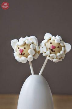 Pop - Oster-Lämmchen, als Schaf, cake-pop-sheep Cake Pops Ostern, Marshmallows, Desserts Ostern, Marshmallow Cake, Unique Cakes, Easter Cookies, Wild Ones, Holiday Traditions, Eid Mubarak