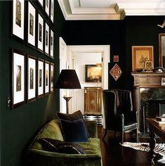Green Variations- dark green walls (almost black), and moss green sofa Dark Living Rooms, Home And Living, Living Room Decor, Living Spaces, Living Area, Cozy Living, Veranda Interiors, Dark Interiors, House Interiors