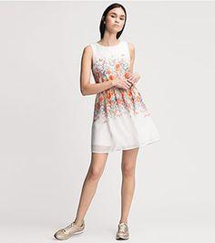 Dresses, Fashion, Moda, Vestidos, Fashion Styles, Dress, Dressers, Fashion Illustrations, Gowns