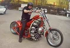 Now this is one roarin' motorcycle! The Red Baron is a souped up bike that . Read more King of All Motorcycles: Red Baron Bike is Powered by an Airplane Engine Concept Motorcycles, Cool Motorcycles, Custom Street Bikes, Custom Bikes, Vespa Scooter, Side Car, Radial Engine, V Max, Xjr