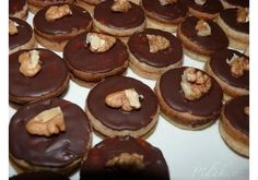 1. obrázek Ořechová kolečka Frappuccino Recipe, Healthy Diet Recipes, Cookie Designs, No Bake Cookies, Christmas Cookies, Doughnut, Baking Recipes, Cheesecake, Muffin