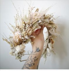 Boho Inspired creamy white and earthy tones dried flower crown with naturally dried flowers and grasses. Pampas flower crown with sea lavender, bunny tails, straw flowers and lots of tiny dried flowers and dried grass Floral Wedding, Wedding Flowers, Wedding Day, Boho Wedding, Crown Hairstyles, Wedding Hairstyles, Accessoires Photo, Grass Flower, Bride Hair Accessories