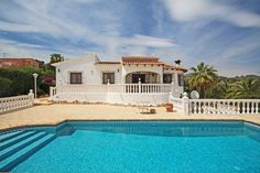 Detached villa for sale in Benissa Costa, Fanadix. This well-presented villa is situated on a level plot in an elevated location with views across the valley to the sea.