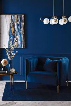 Blue Living Room Decor, Living Room Interior, Home Interior Design, Living Room Designs, Bedroom Decor, Bold Living Room, Dark Blue Living Room, Blue Home Decor, Wall Decor