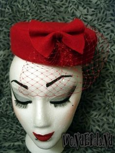 Free tutorial with pictures on how to make a pillbox hat in under 20 minutes by decorating with scissors, hot glue gun, and cardboard. Inspired by burlesque & pinup and vintage & retro. How To posted by Brittany Marie. Millinery Hats, Pillbox Hat, Fascinator Hats, Pin Up, Zombie Gifts, For Elise, Red Hat Society, Diy Hat, Fancy Hats
