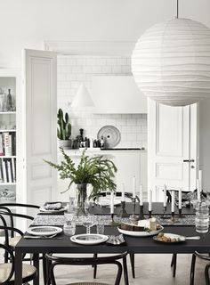 Lotta Agaton for Marimekko - Nordic Design Decor, Kitchen Interior, Simple Thanksgiving Table, Interior, Interior Inspiration, Interior Styling, Home Decor, Dining Room Inspiration, Interior Design