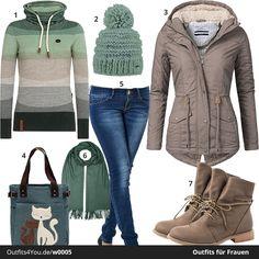Warmes Winter-Outfit in Grün- und Brauntönen. Naketano Hoodie, Stiefeletten, große Jacke, passender Schal, Mütze und Tasche mit Katzen-Motiv. Jetzt ansehen!