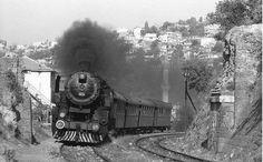 Kara tren Yeşildere'de birinci yarmadan geçiyor. Bu yapı, aslında Vezirağa su kemerinin devamıdır. Muhtemelen 1850'li yılların sonlarında tren yolu yapılırken kasıtlı olarak yıkılmış.