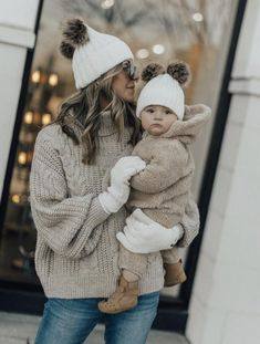 New womens fashion casual winter diamonds Ideas Mom And Baby Outfits, Kids Outfits, Hat Outfits, Cozy Outfits, Poncho Mantel, Beanie Outfit, Beanie Hats, Best Casual Outfits, Casual Wear