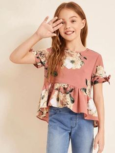 Little Girl Skirts, Cute Girl Dresses, Stylish Dresses For Girls, Kids Outfits Girls, Girl Outfits, Girls Fashion Clothes, Tween Fashion, Basic Outfits, Floral Tops