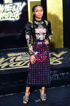 All the Looks from the 2017 MTV Movie Awards e6d73f276