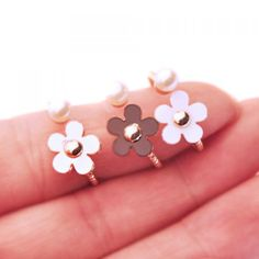 $1.31 One Piece of Chic Candy Color Flower Ring For Women
