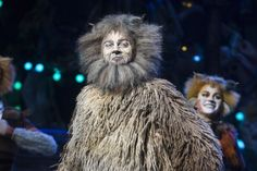 Beverley Knight celebrates Cats opening night - WhatsOnStage.com