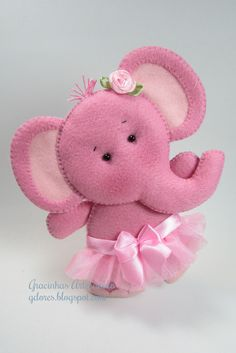 baby elephant ballerina in felt. Baby Crafts, Felt Crafts, Fabric Crafts, Fabric Art, Felt Patterns, Stuffed Toys Patterns, Felt Christmas, Christmas Crafts, Sewing Projects