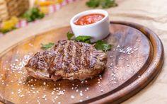 """""""En iyi pişen et bir kere çevrilen ettir""""  Mükemmel Bir Steak Pişirmenin 10 Önemli Püf Noktası http://yemek.com/steak-pisirmenin-puf-noktalari/#.Velwqvntmko…"""
