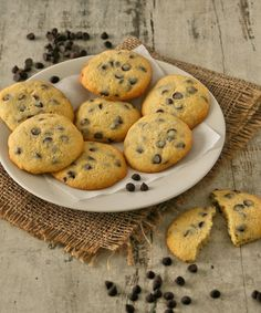 Whip up this recipe for Classic Chocolate Chip Cookies – the perfect combination of crispy and chewy Ingredients butter, softened castor sugar 1 large egg tsp vanilla […] Classic Chocolate Chip Cookies Recipe, Chocolate Cookies, New Autumn Recipes, Healthy Family Meals, Dark Chocolate Chips, Tray Bakes, Cookie Recipes, Delicious Desserts, Favorite Recipes