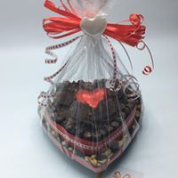 #biltongcake #babalooli Biltong, Heart Shapes, Diy And Crafts, Creativity, Gift Ideas, Christmas Ornaments, Holiday Decor, Cake, How To Make