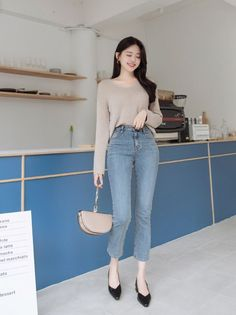 Korean Casual Outfits, Korean Outfit Street Styles, Korean Fashion Dress, Korean Fashion Casual, Casual Work Outfits, Ulzzang Fashion, Korean Street Fashion, Simple Outfits, Classy Outfits
