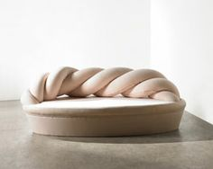 kamkam twists yarn skein into soft mashmallow sofa //