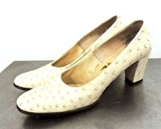 Items similar to SALE vintage ostrich pumps - Felipe' white ostrich heels size 7 on Etsy Pumps Heels, 1940s, Kitten Heels, Trending Outfits, Unique Jewelry, Modern, Etsy, Shoes, Vintage