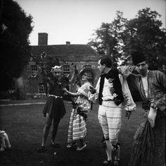 Cecil Beaton: Fete Champetre guests, 10 July 1937.