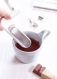 オシャレで便利 紅茶が気軽に楽しめるティーストレーナー