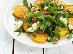 Bataatti-fetasalaatti Roasted Artichoke Recipe, Artichoke Recipes, Chickpea Soup, Good Roasts, Roasted Cauliflower, Vegetable Side Dishes, Caprese Salad, Salmon Burgers, Feta