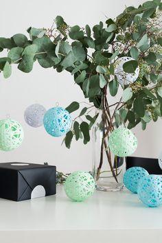 Die besten 25 papierkugeln ideen auf pinterest diy origami origami papier falten und - Papierkugeln basteln ...