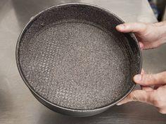 Liszt nélküli máktorta recept lépés 1 foto Iron Pan, Griddle Pan, Hungarian Recipes, Grill Pan