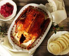 Pomalu pečená husa a červené zelí s brusinkami Czech Recipes, Ethnic Recipes, Lasagna, French Toast, Grilling, Pork, Lunch, Dishes, Meat
