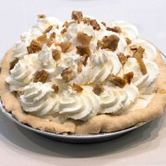 This Pumpkin and Maple Cream Pie was made by Andy Hilton and it won first place in the pumpkin category at the 2015 APC National Pie Championships. Pumpkin Recipes, Pie Recipes, Snack Recipes, Snacks, Thanksgiving Recipes, Fall Recipes, Fun Desserts, Delicious Desserts, Holiday Baking Championship