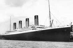 Many people didn't even know about the Titanic before James Cameron resurfaced it. Check out these unknown facts about the Titanic as well as the movie. Rms Titanic, Naufrágio Do Titanic, Titanic Photos, Titanic History, Titanic Sinking, James Cameron, Belfast, Original Titanic, Film Catastrophe