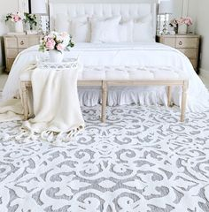 As regal as the Texas-born former First Lady, the Lady Bird area rug features an exquisite damask pattern in natural gray atop a medium gray base...