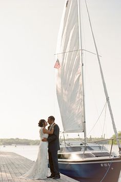 Head to a marina before or after the wedding to get some must have photos #nautical #wedding
