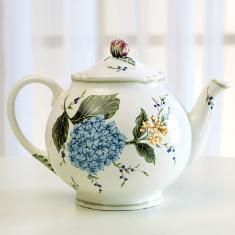 I have this beautiful Princess House #teapot. Wouldn't mind having tea in this.