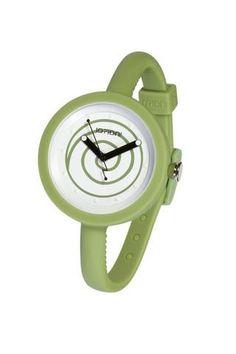 """Reloj IO?ION!, modelo POD ARMY SWIRL, analógico. Diseño redondeado, esfera con dibujo en espiral y correa en color verde, con cierre de clip regulable (cada 5 mm). Diseño ergonómico y ultraligero. Ultraplano. Talla única con pulsera ajustable con hebilla. UNISEX. Sumergible (hasta 30 m. de profundidad). FUNCION """"YES WE CHANGE""""."""