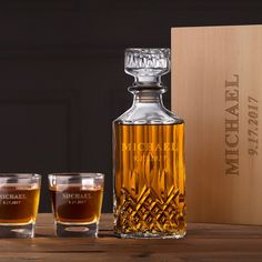 Groomsmen Whiskey Decanter & Glasses Personalized Name & Date