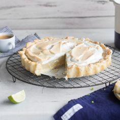 Das Besondere an dieser Tarte ist der Eischnee ohne Ei. Die Meringue wird aus Kichererbsenwasser und Zucker hergestellt und passt hervorragend zur Limette.