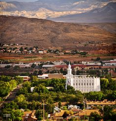 """St George, UT LDS Temple <3    #MormonLink #LDSTemples  - MormonFavorites.com  """"I cannot believe how many LDS resources I found... It's about time someone thought of this!""""   - MormonFavorites.com  We love Temples at: www.MormonFavorites.com"""