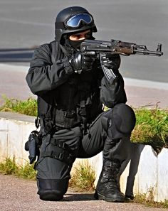 All sizes | A SWAT cop | Flickr - Photo Sharing!